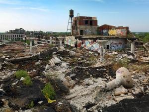 MF140414 - Detroit Ruins