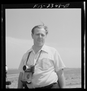 Alfred T Palmer in May 1942, while on assignment at the US Marines' glider training camp, Parris Island, SC. (LoC P&P, LC-USW3- 002348-E)