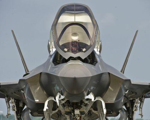 f-35 preps for takeoff